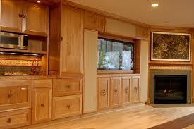 Tủ bếp gỗ xoan đào gia lai 001